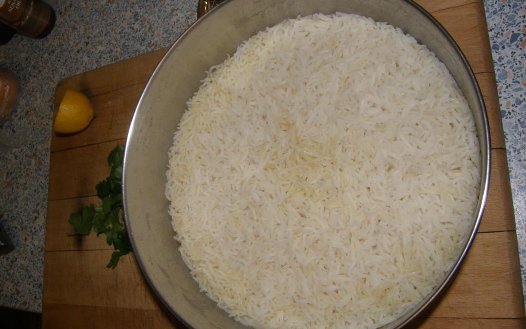 Rýže dlouhozrnná v pánvi