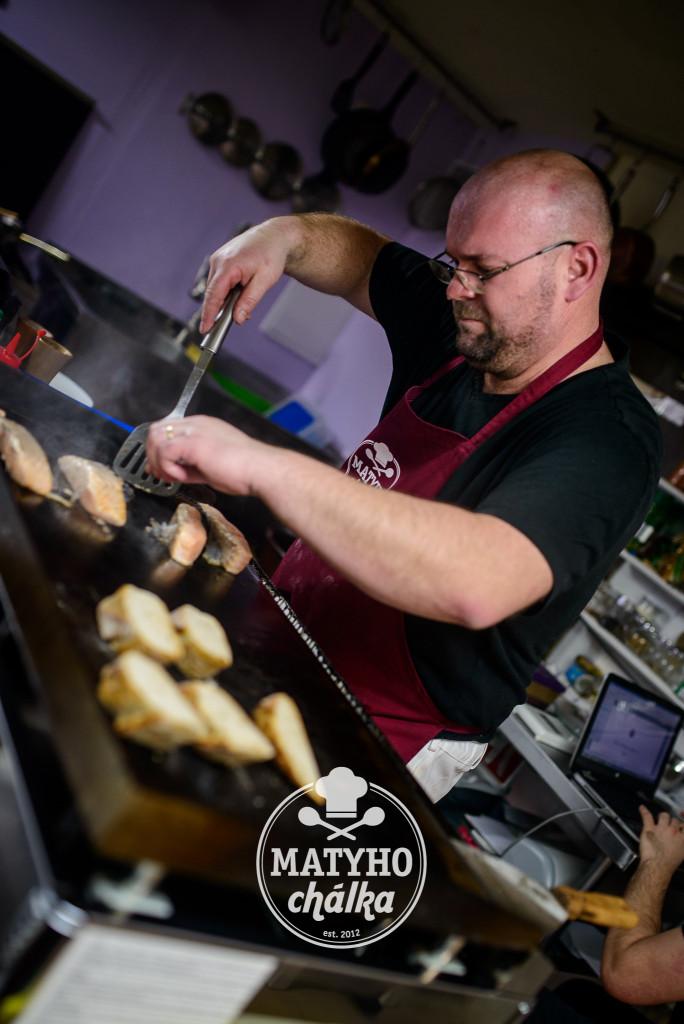 pracovat na tomto grilu byla radost - Velký plyňák v Rockin café